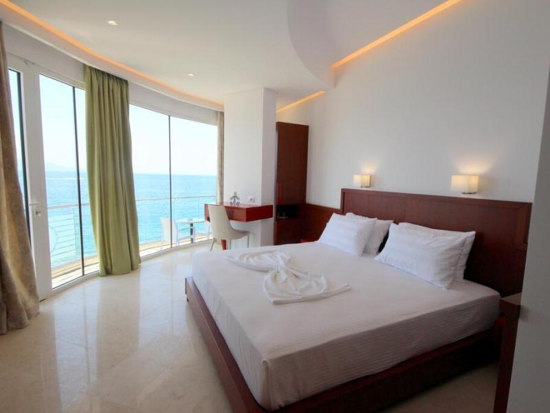 Hotel Delfini Saranda Soba