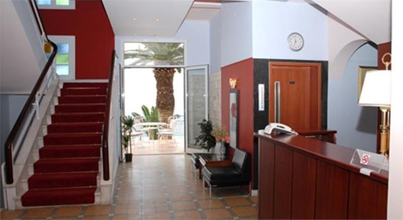 Hotel Aegeli Hol