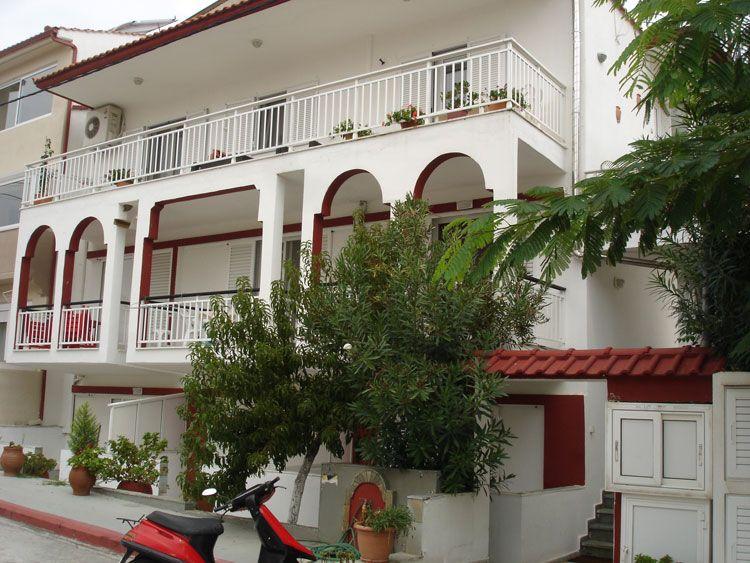 Sarti Vila Pirofani