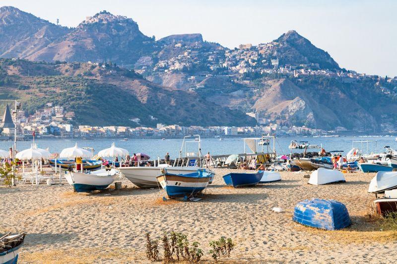 Letovanje Italija Sicilija Giardini Naxos