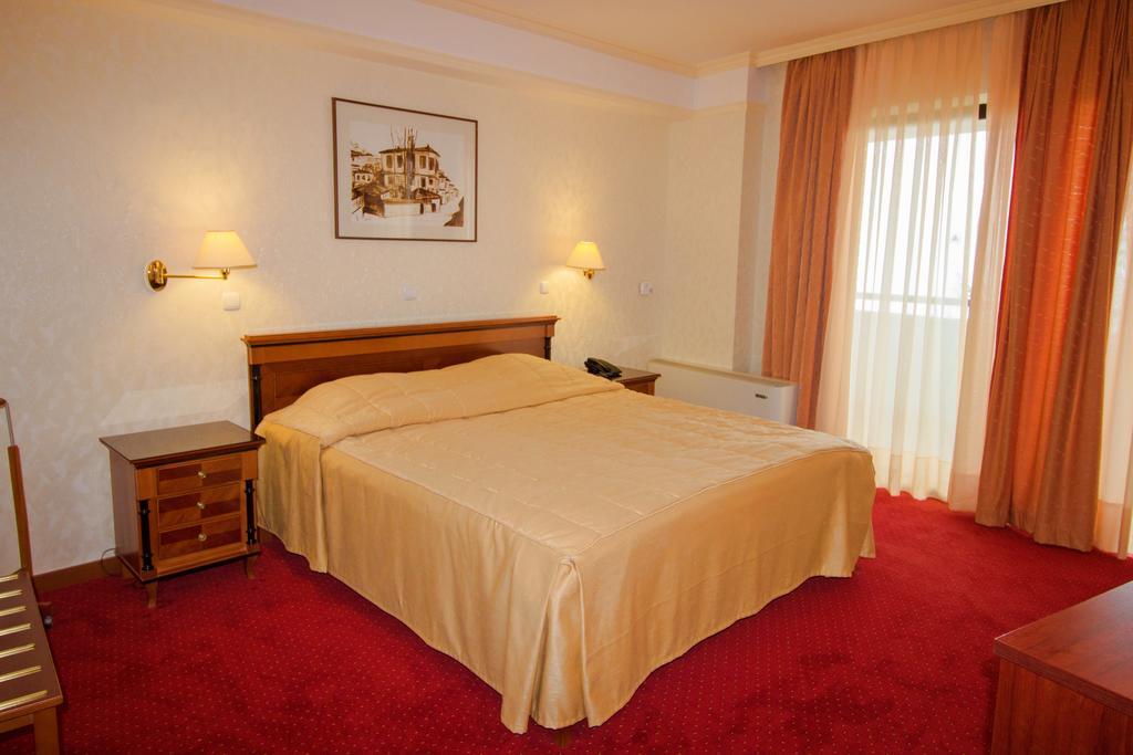 Hotel Belvi veliki bračni krevet