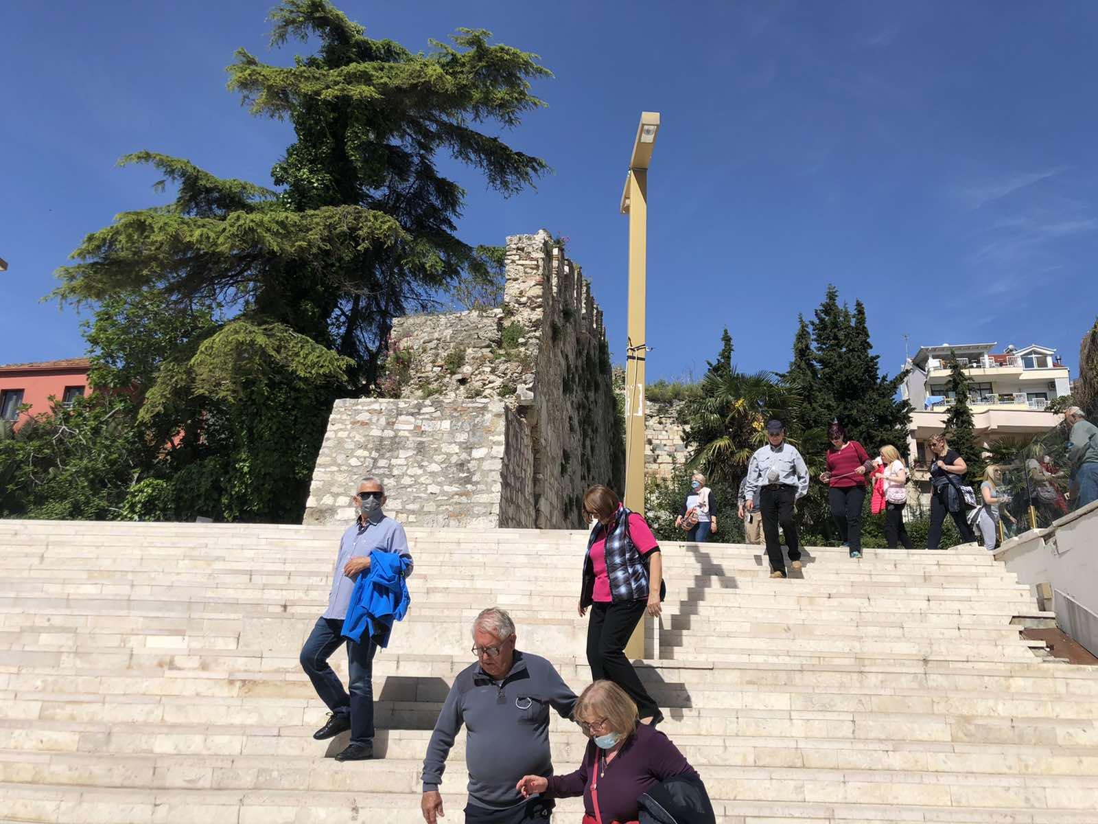 Drač Spomenik