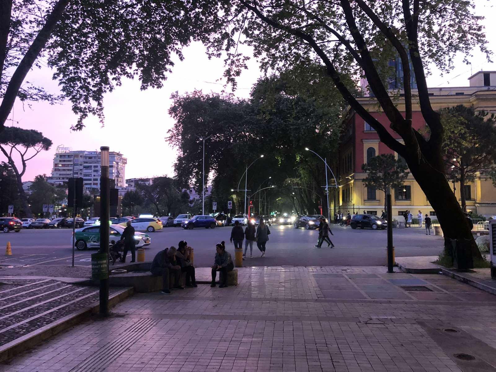 Tirana sa Felixom