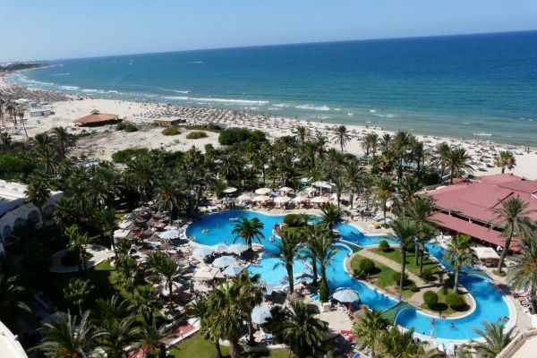 Tunis Sus Riadh Palms
