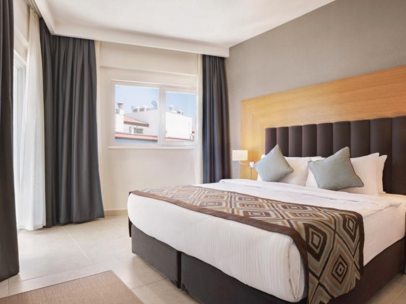 Turska Hotel Ramada Grand Family Room